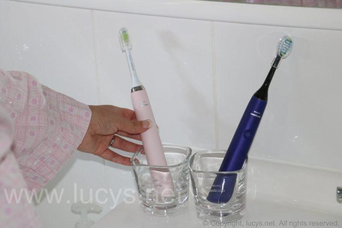 testing-toothbrushes