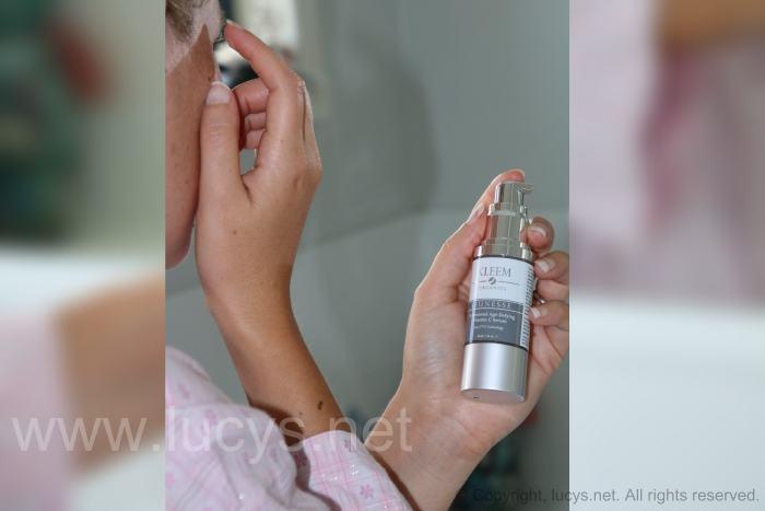 applying-vitamin-c-serums