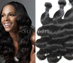 A african american woman with peruvian virgin hair extensions.